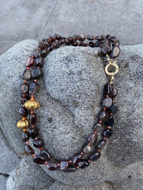 Zweireihiges Collier aus Mondstein Zirkon und Gold