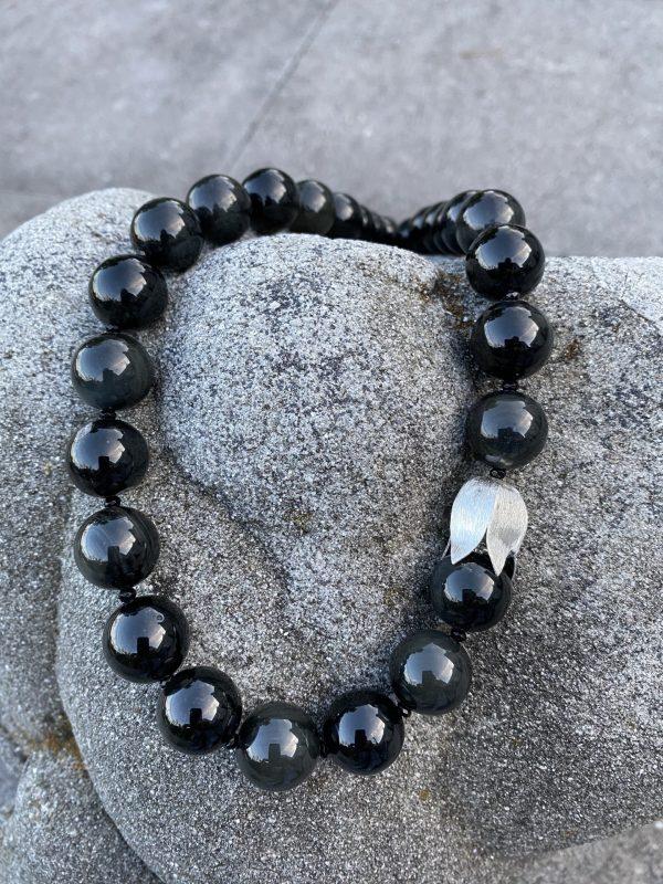 Kugelkette aus Obsidian und Silber