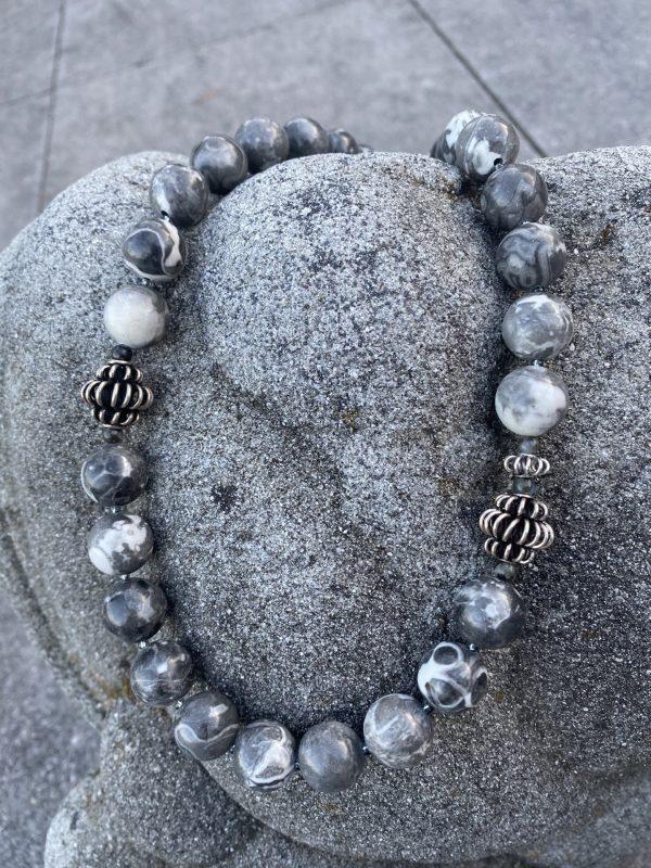 Kette aus Jaspis und Silber