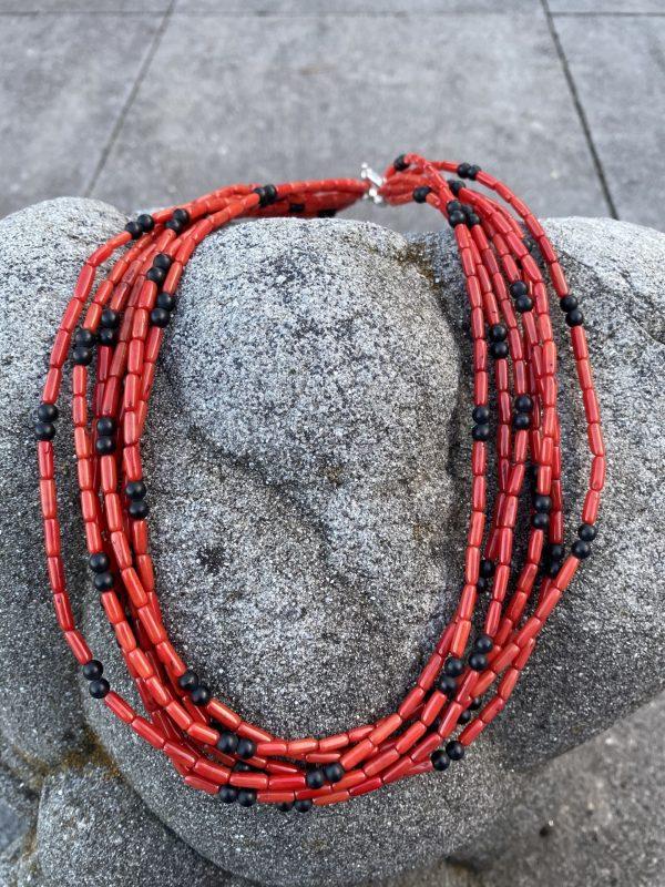 Collier aus fossiler Koralle und Onyx